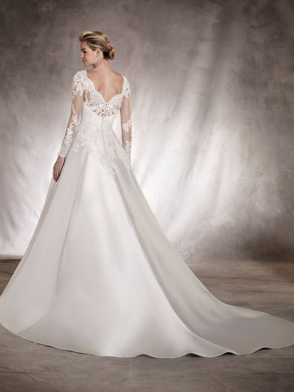 https://www.pronovias.com/wedding-dresses/wedding-dress-alhambra-bateau-neckline